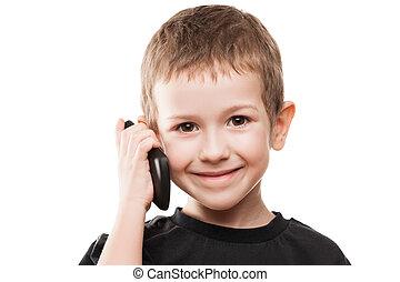 Niño hablando de teléfono móvil