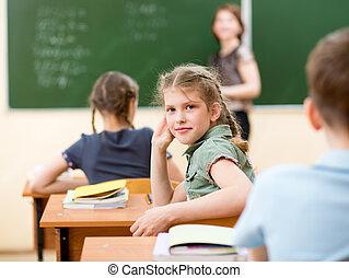 Niños en clase en clase