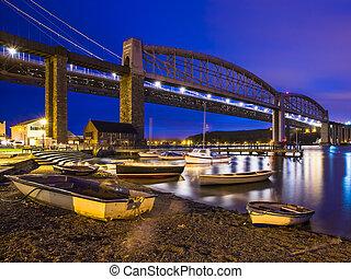 noche, cornwall, tamar, saltash, puentes
