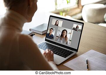 novias, hablar, tener, vídeo, llamada, diversión, mujer