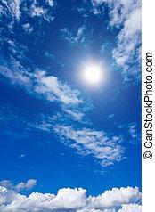 Nubes blancas y cielo en el cielo