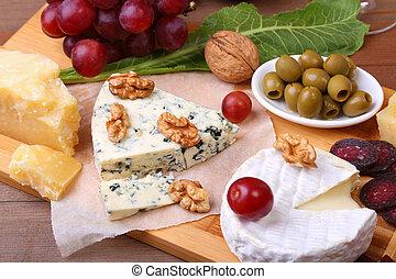 nueces, bandeja., queso, vidrio, uvas, surtido, de madera, fruits, cuchillo, porción, vino