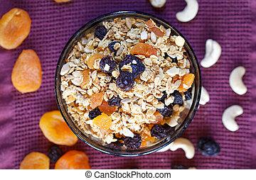 Oat-flakes muesli con frutas secas