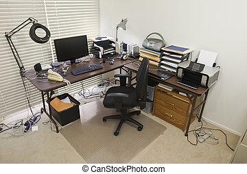 Oficina central con cuerdas caóticas