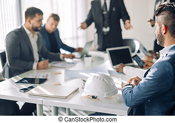 oficinistas, grupo, presentación, macho, sala juntas, arriba., cierre