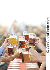 oktoberfest, cerveza, aumento, bebedores, vidrio