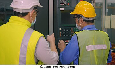 operar, se apiñar, hombre, máquina, control, automatizado, programación, cnc, trabajador