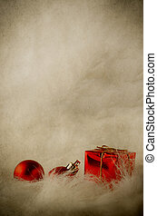 Ornamentos de Navidad rojos en piel suave - cosecha vertical
