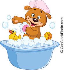 Oso de peluche tomando un baño