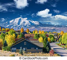 otoño, vecindario residencial, colorado