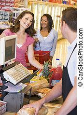 pagar, compras, tiendade comestibles, mujeres