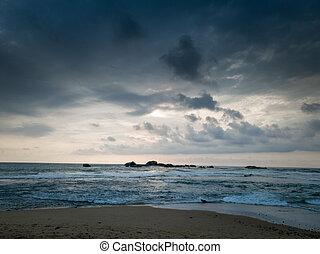 paisaje, oscuridad, océano, lluvioso, nubes, encima
