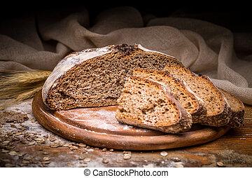 Pan artesano cortado