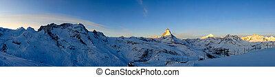 Panorama de Gornergrat al amanecer
