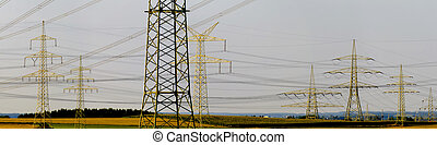 Panorama de pilones eléctricos