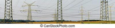 Panorama de postes eléctricos