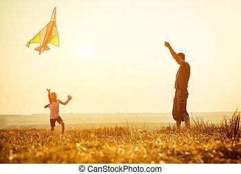 Papá con su hija dejó una cometa