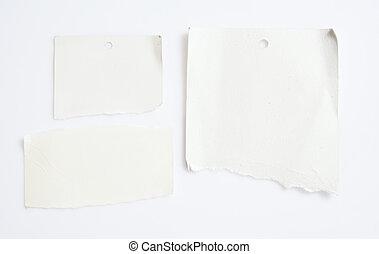 Papel blanco en blanco con camino de recortes