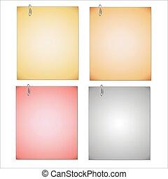 Papel de notas y clip aislados en fondo blanco