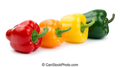 Paprika (pepper) rojo, naranja, amarillo y verde, aislado en un fondo blanco