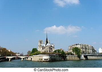 París, notre Lady