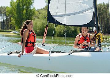 pareja, barco, navegación, joven