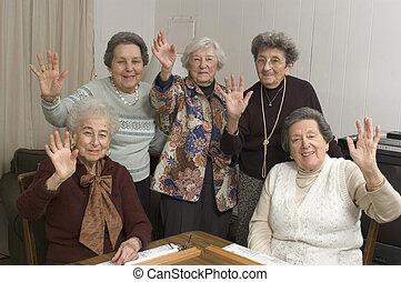 partido de tabla, mujeres mayores