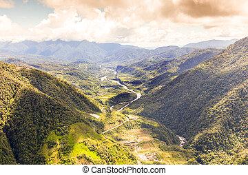 Pastaza River en el andes ecuador
