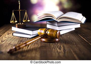 Pastel y libros de leyes