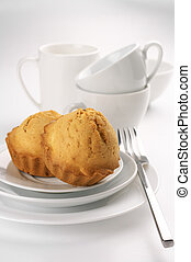 Pastelitos y platos
