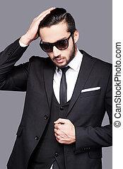 pelo, handsome., el suyo, lejos, joven, formalwear, mano, mirar, conmovedor, elegante, hombre, guapo