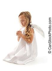 Pequeña angelita rezando