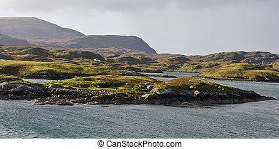 Pequeñas islas en la costa de Escocia