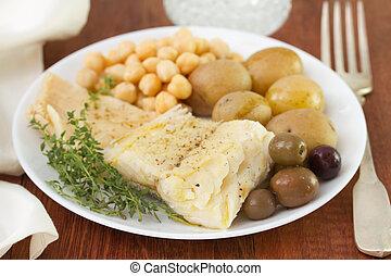 Pescado con garbanzos y patatas