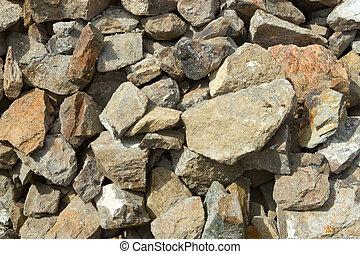 Piedras grandes escombros de un edificio demolido,