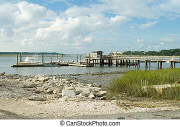 Pier Dock en la bahía de atrás, marea baja, Hilton Head Island