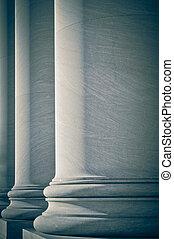 Pilares de derecho y educación