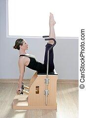pilates, yoga, gimnasio, combo, mujer, condición física, silla, wunda