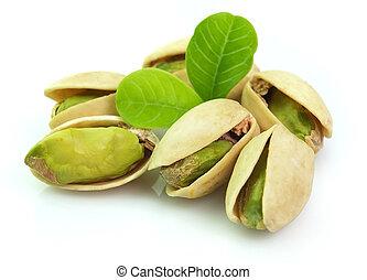 pistacho seco con hojas