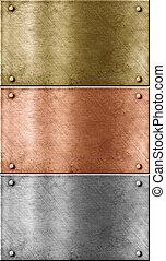 Placas metálicas puestas incluyendo bronce (copper), oro (brass) y aluminio