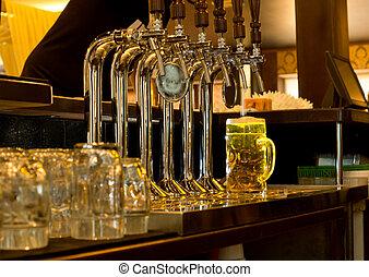 plan preliminar, pichel, cerveza, bar