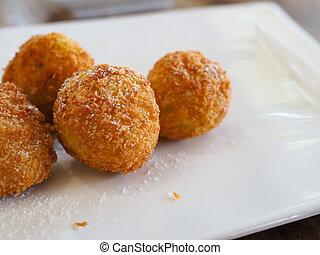 plato., space., pelota blanca, copia, queso