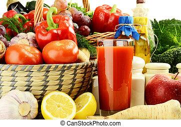 platos, verduras crudas, vidrio, jugo, cocina
