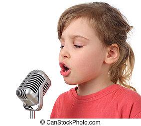 poco, cuerpo, aislado, mitad, niña, micrófono, canto, camisa roja