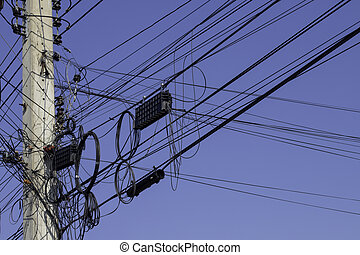 poste, alrededor, cable, ramo, líneas, alambres, potencia, alambre, cables, pole., enredado, o, negro, eléctrico, desordenado, blanco, poles., eléctrico, electricidad