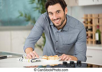 preparando, placa, aperitivos, hombre