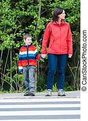 preschooler, crosswalk, madre