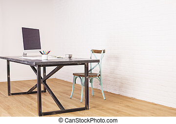 Presidencia antigua y escritorio de diseñador