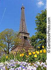 Primavera en París, torre de eiffel