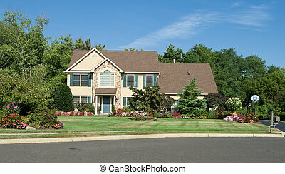 Primera vista de la casa de la familia en Filadelfia, Pennsylvania, EE.UU. Bonito paisaje.